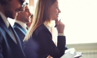actief tijdens vergadering