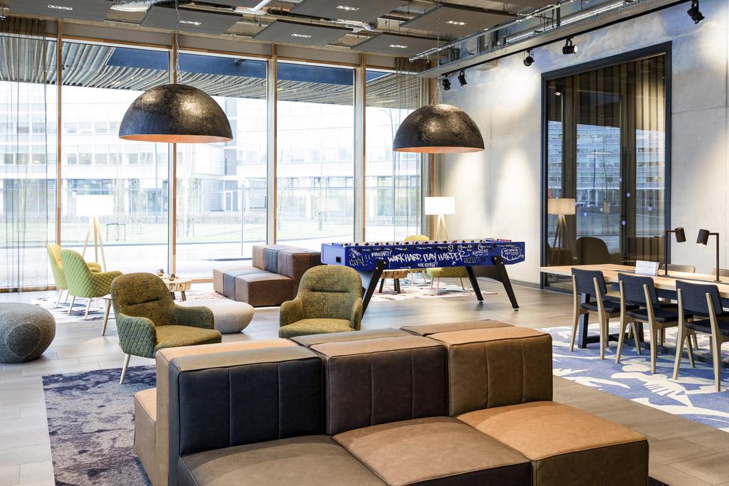 Novotel Amsterdam Schiphol lobby